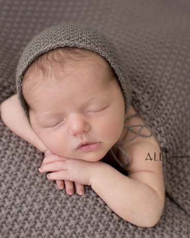 knitted-pixie-hat-brown-taupe-all-newborn-props-photography-prop