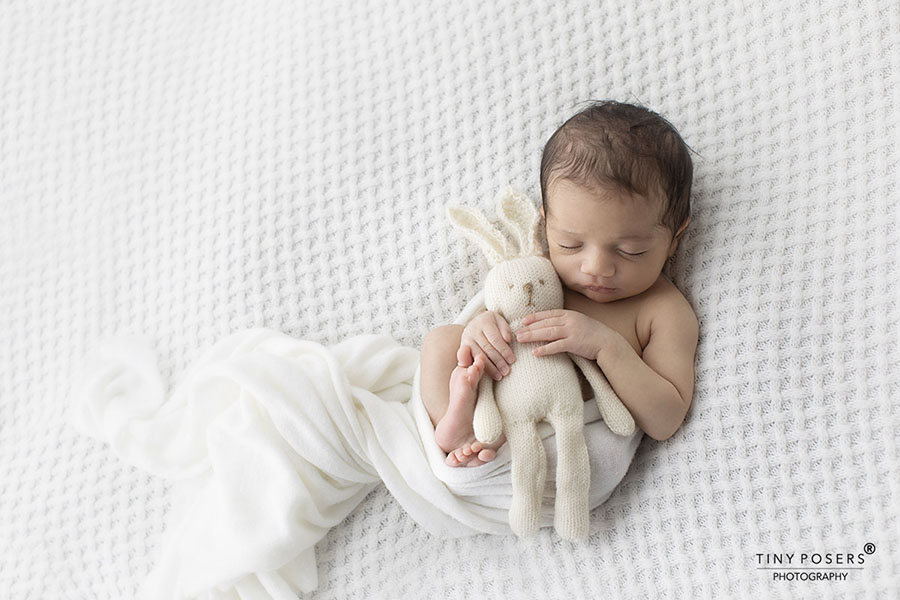 Props for newborn photography essential must have