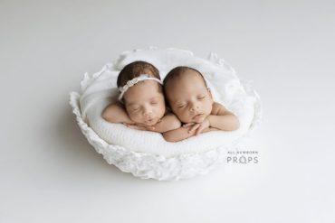 newborn-photography-basket-props-bowl-white-twin-photoshoot-eu