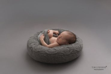 Newborn Bean Bag Poser - 'Create-a-Nest'™ Alexis all newborn props europe