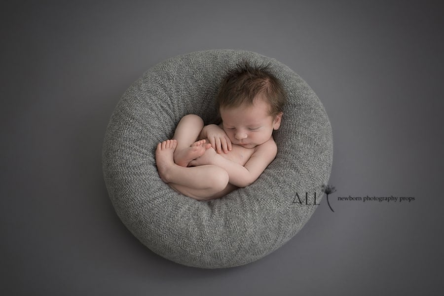 Posing Pillow - Newborn Prop 'Create-a-Nest'™ Joel all newborn props europe