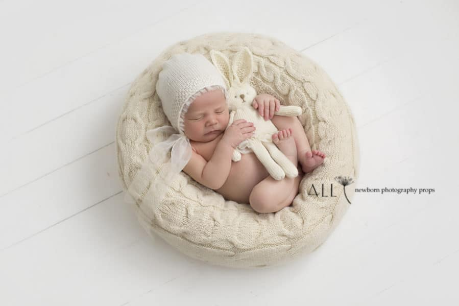 How to Pose Newborn on the Best Photography Poser 'Create-a-Nest'™ all newborn props europe