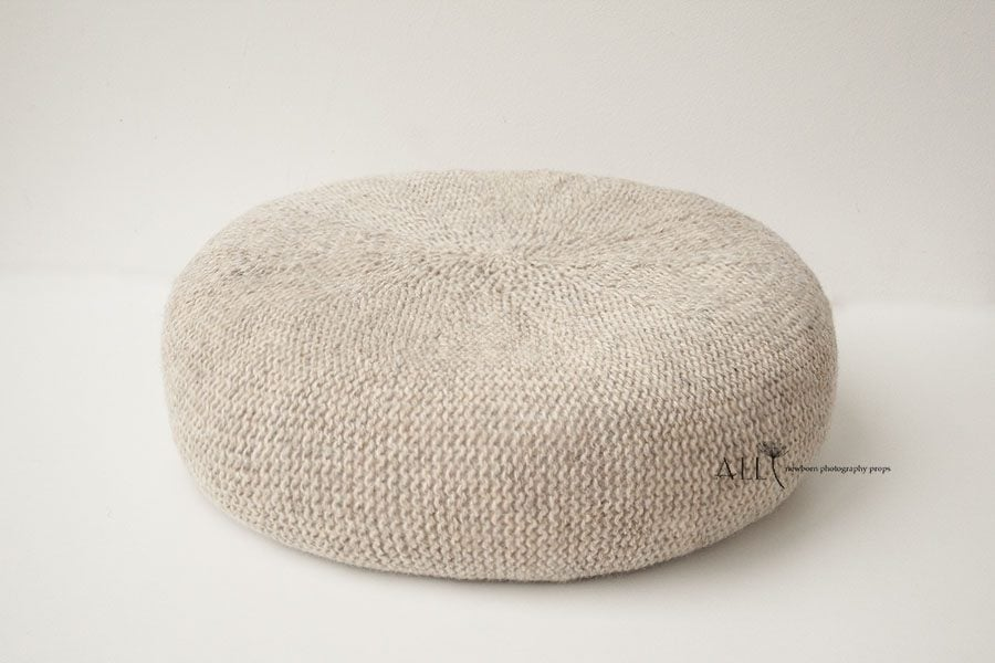 Newborn Posing Beanbag Alternative - 'Create-a-Nest'™ Miraji newbornprops eu