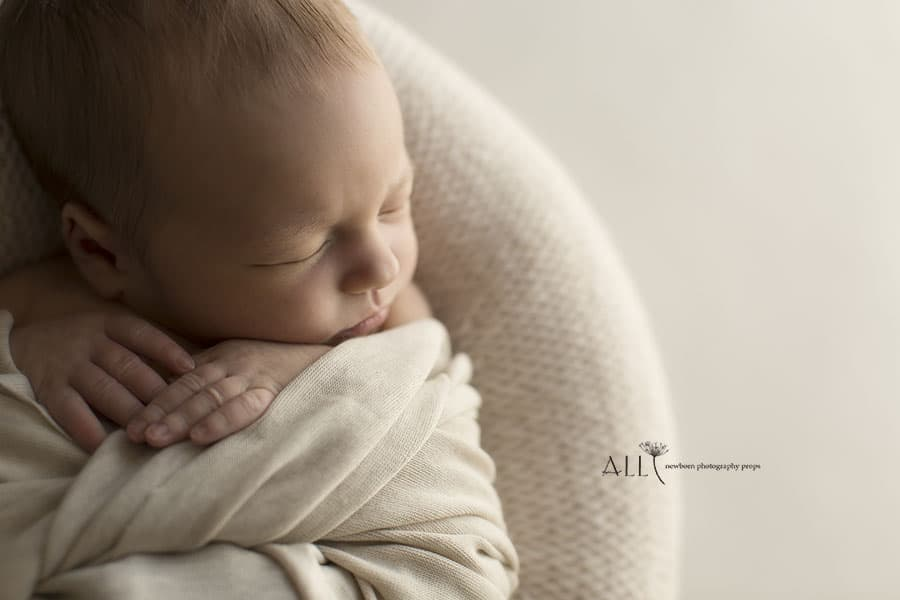 Newborn Posing Beanbag Alternative - 'Create-a-Nest'™ Miraji photoshoot props for sale europe