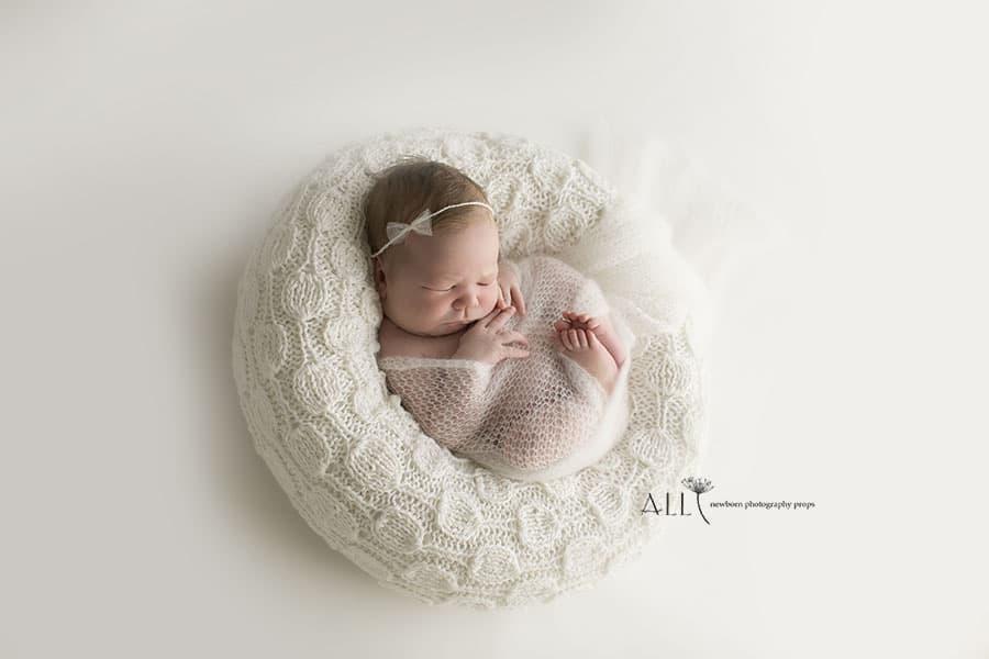 Newborn Posing Bag Girl - 'Create-a-Nest'™ Hudson white europe