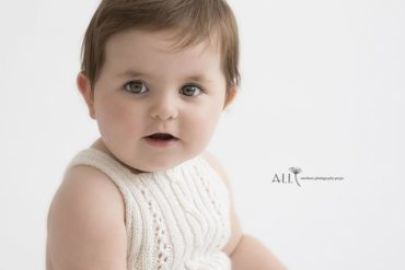 Toddler photoshoot outfit white knitted romper europe