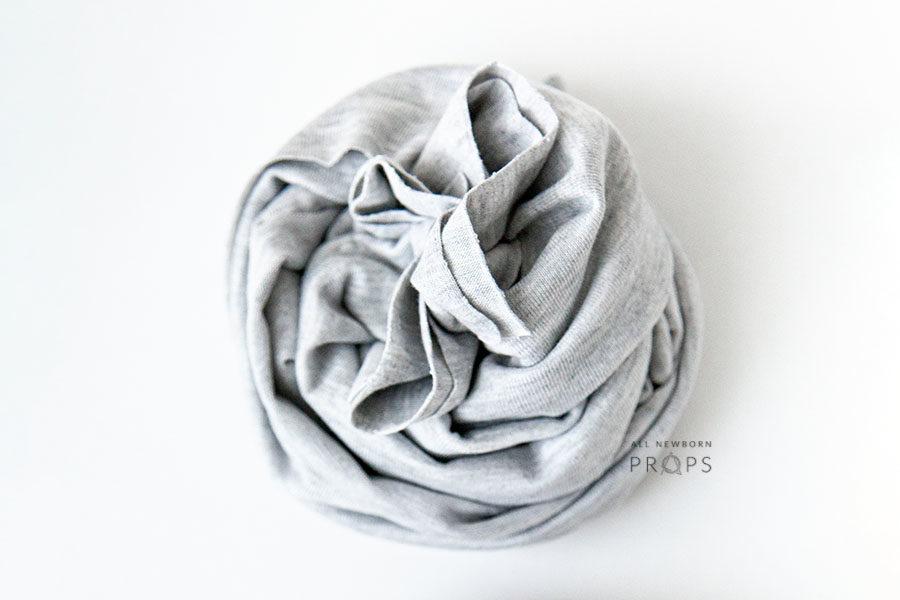 newborn-wraps-for-photographers-grey-boy-all-newborn-props-europe