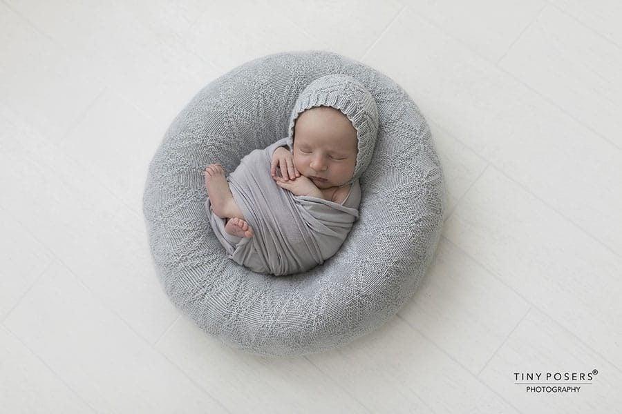 Newborn Boy Photo Prop Set – Ralph/Molly (Light grey)