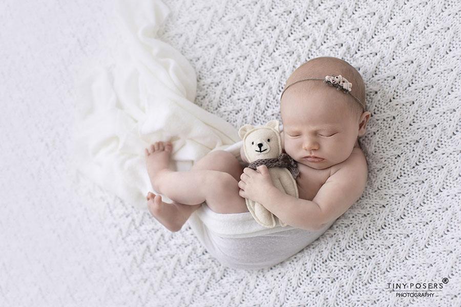 Newborn-tie-back-headband-girl-photoshoot-props-europe-uk