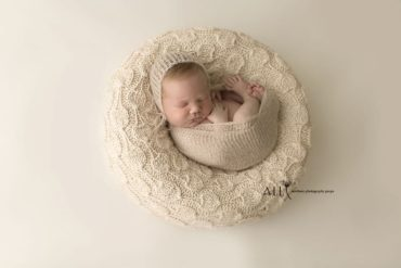 Newborn Photoshoot Prop Bundle – Ulises/Taja europe