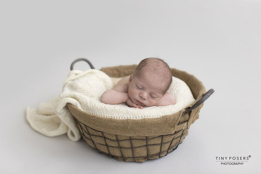 newborn-baby-wraps-for-photographers-boy-knitted-stetch-cream-prop-shop-eu-uk
