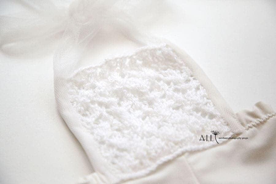 Newborn Outfit for Photoshoot – Overalls white cream newbornprops eu