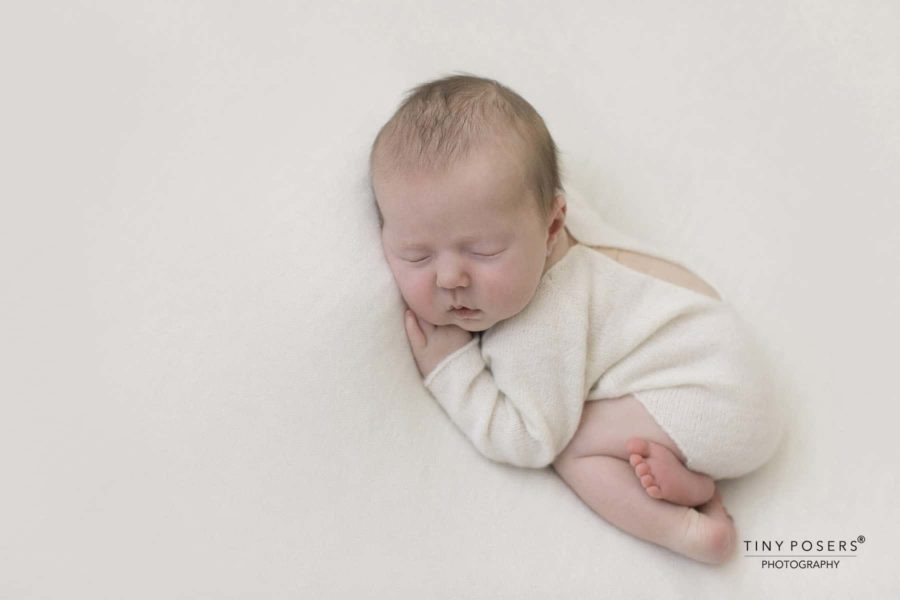Newborn Photo Outfit Boy - Knitted Romper white cream newbornprops eu
