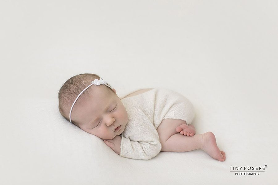 Newborn Photo Outfit Girl - Knitted Romper white cream europe