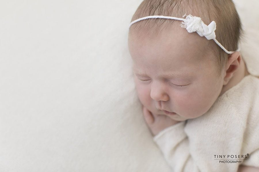 White Lace Newborn Headband - girl photography props europe