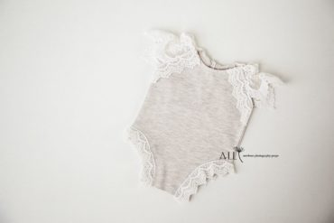 Newborn Baby Girl Photo Outfits – Romper Dalice lace newbornprops eu