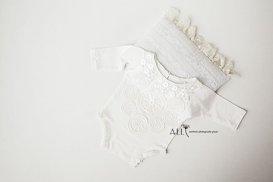 Newborn Girl Photo Outfit – Romper Enore white lace baby photography props for sale
