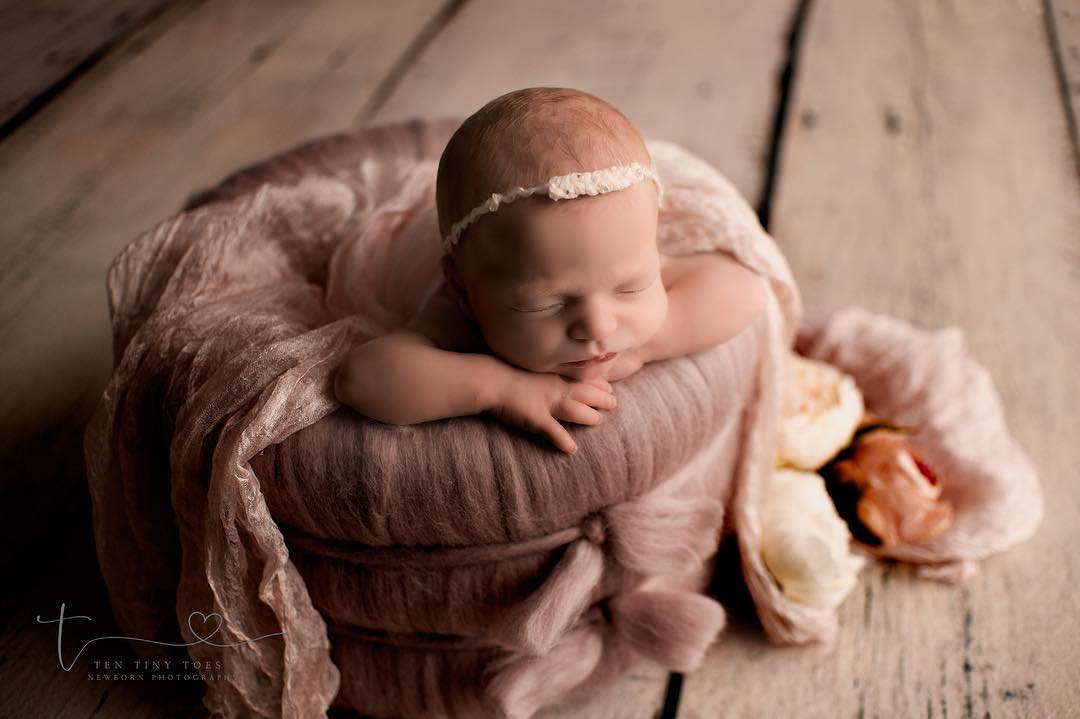 Details about  /New Baby Headband Tie Back Handmade Dainty Photo Props