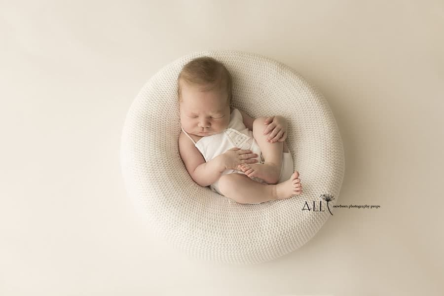 Newborn Beanbag Poser - 'Create-a-Nest'™ Harriet europe