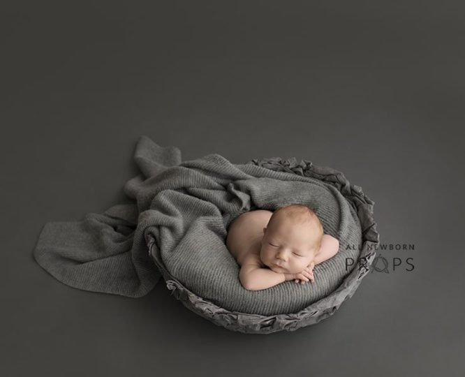 newborn-posing-bowl-wooden-props-for-photography-boy-grey-europe