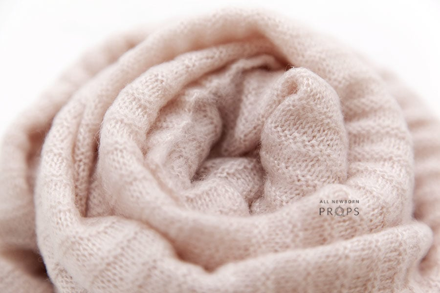 newborn-stretch-wrap-girl-mohair-pink-baby-props-europe