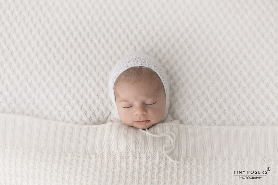 props for  photographing babies bonnet wrap posing fabric white