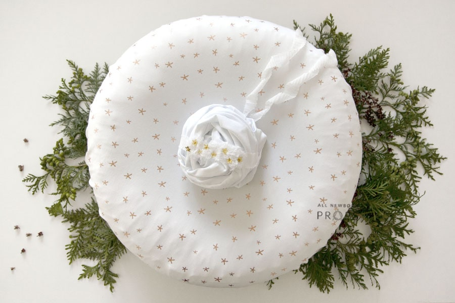baby-prop-bundle-coordinated-set-girl-white-poser-wrap-headband-newbornprops-eu