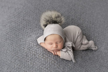 newborn-photography-outfits-knitted-sleepers-bonnet-hat-pom-pom-boy-eu