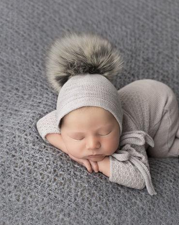 newborn-photography-outfits-knitted-sleepers-bonnet-hat-pom-pom-boy-eu