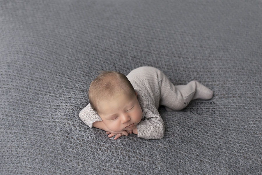 newborn-photography-outfits-knitted-sleepers-boy-props-europe