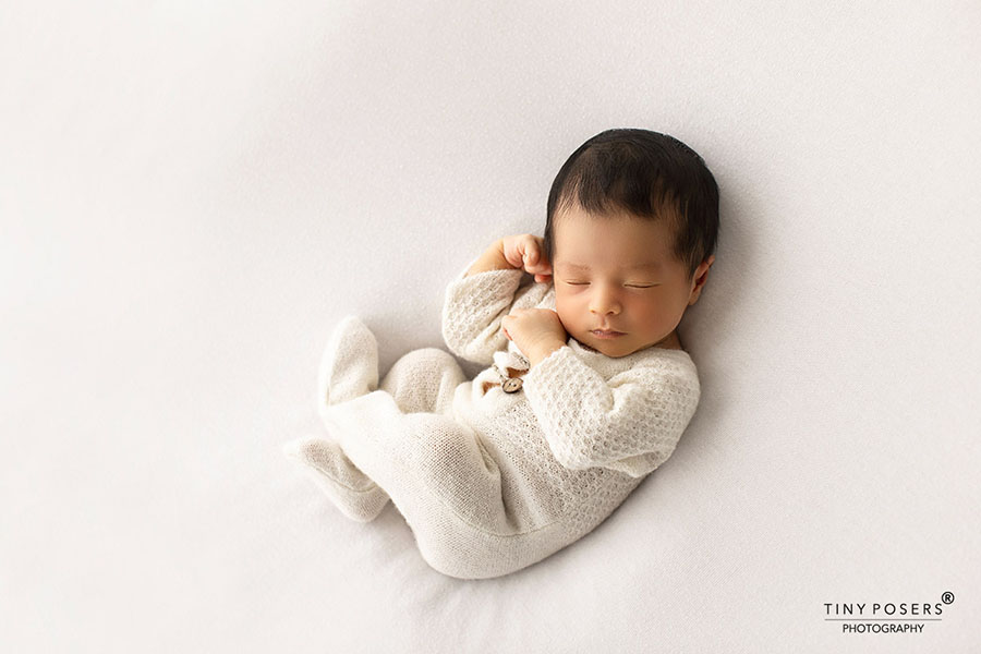 newborn-photography-outfits-knitted-sleepers-romper-girl-white-europe-uk