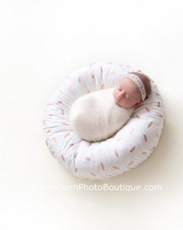 posing-pillow-newborn-prop-photoshoot-europe-uk-white-girl