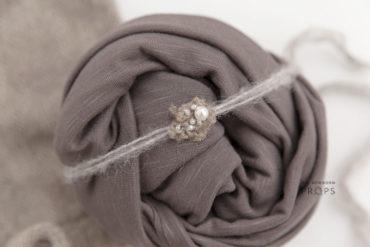 Newborn-Wrap-Set-girl-headband-photography-studio-europe