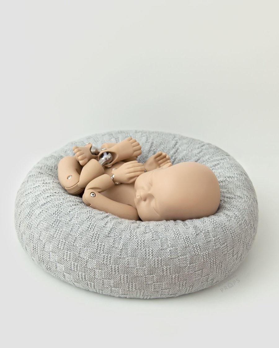 Posing-Pillow-Newborn-photography-prop-baby-grey-eu