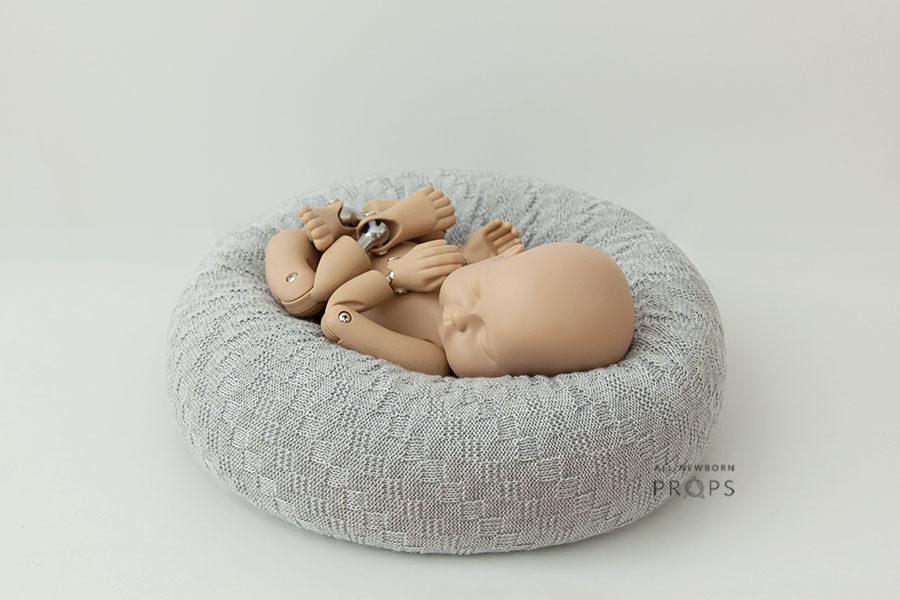 Posing-Pillow-Newborn-photography-prop-baby-grey-europe-0