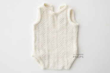newborn-picture-outfits-knitted-white-boy-girl-europe-neutral