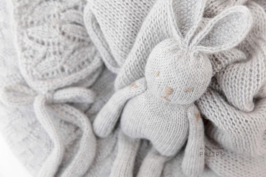 newborn-baby-photoshoot-props-set-boy-rabbit-poser-wrap-bonnet-eu