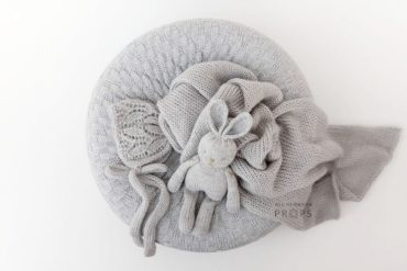 newborn-baby-photoshoot-props-set-poser-wrap-bonnet-bunny-eu