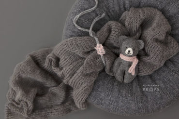 baby-girl-bundle-newborn-beanbag-poser-nest-wrap-tieback-bear-grey-europe