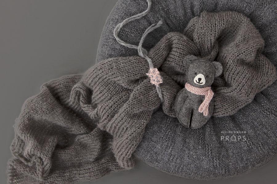 baby-girl-bundle-newborn-beanbag-poser-nest-wrap-tieback-bear-grey-europe