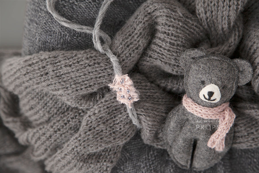 baby-girl-bundle-newborn-nest-wrap-tieback-teddy-grey-eu