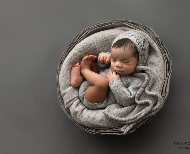 props-for-newborn-photos-boy-bowl-bonnet-romper-europe