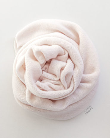 fabric-wrap-for-newborn-photography-girl-pink-stretch-swaddle-europe
