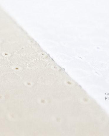 newborn-fabric-backdrops-photography-props-Beanbag-Decke-white-neutral-organic-europe