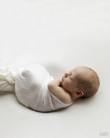 newborn-photography-fabric-white-textured-props-dekorationsstoffe-europe2