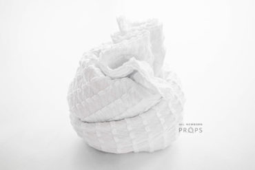 stretchy-newborn-wrap-white-textured-photography-props-wickeltücher-europe
