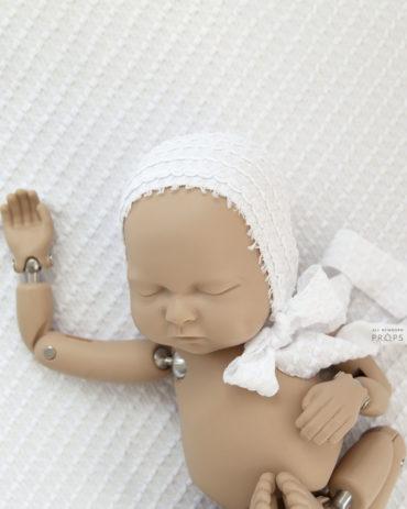 newborn-baby-bonnet-girl-white-textured-europe2