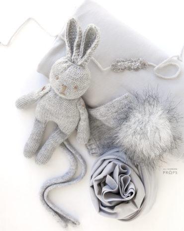 newborn-photo-prop-set-boy-girl-posing-fabric-wrap-hat-bunny-europe2