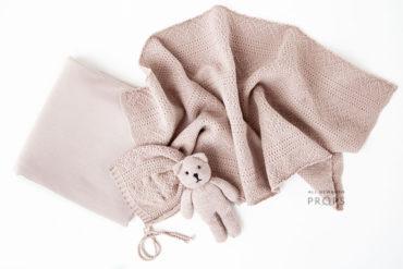 newborn-prop-girl-set-wrap-backdrop-bonnet-teddy-pink-eu