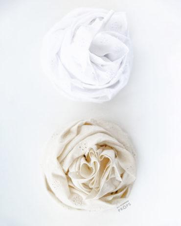 newborn-wrap-for-photos-swaddle-white-textured-neutral-wickeltücher-europe-2